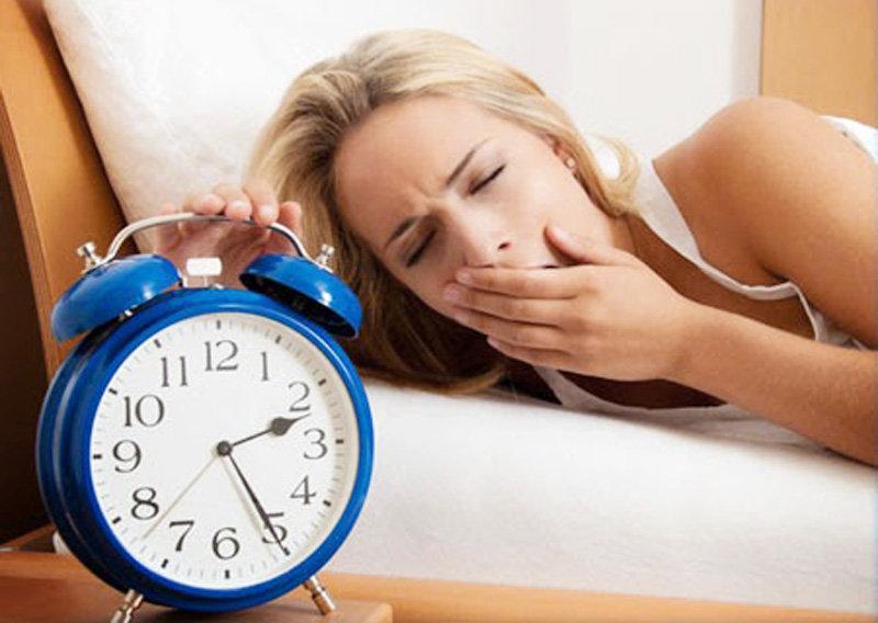 thức khuya làm da mặt lão hóa nhanh hơn
