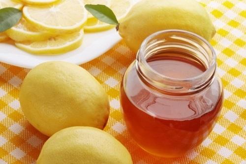 Mật ong chanh là cách trị nám tàn nhang cho da cực hiệu quả